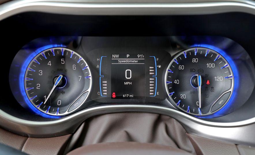2017 Chrysler Pacifica Touring L - Slide 37