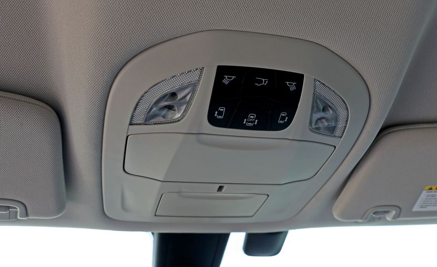 2017 Chrysler Pacifica Touring L - Slide 43