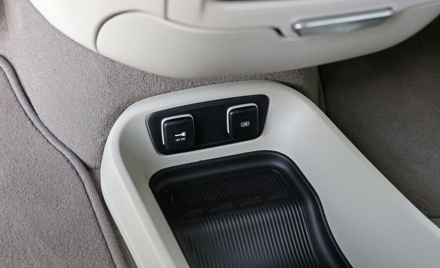 2017 Chrysler Pacifica Touring L - Slide 44