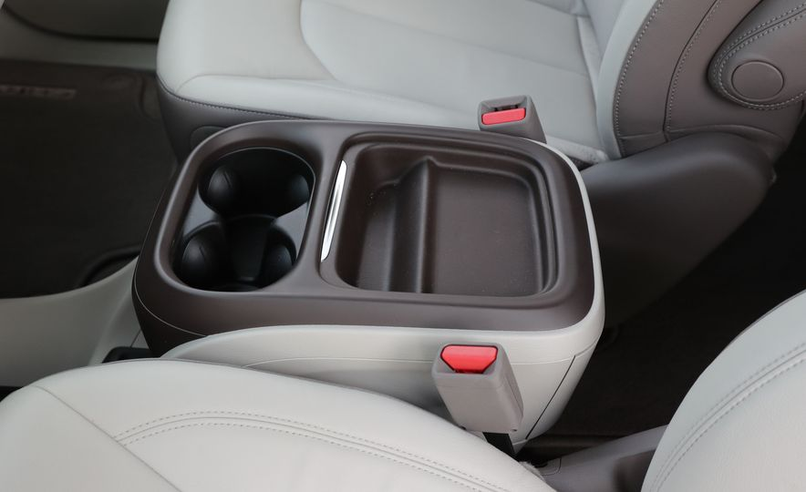 2017 Chrysler Pacifica Touring L - Slide 45