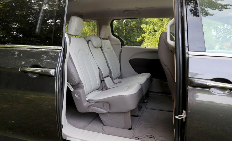 2017 Chrysler Pacifica Touring L - Slide 46