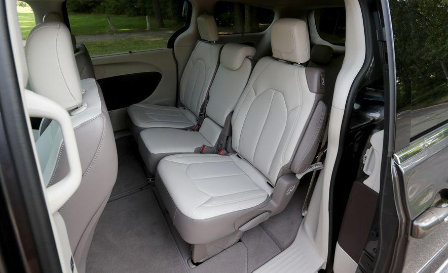 2017 Chrysler Pacifica Touring L - Slide 52