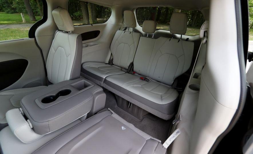 2017 Chrysler Pacifica Touring L - Slide 53