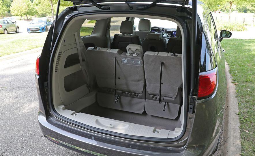 2017 Chrysler Pacifica Touring L - Slide 56