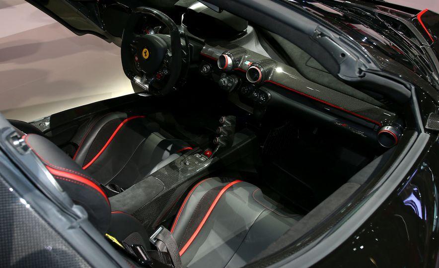 2017 Ferrari GTC4Lusso T - Slide 4