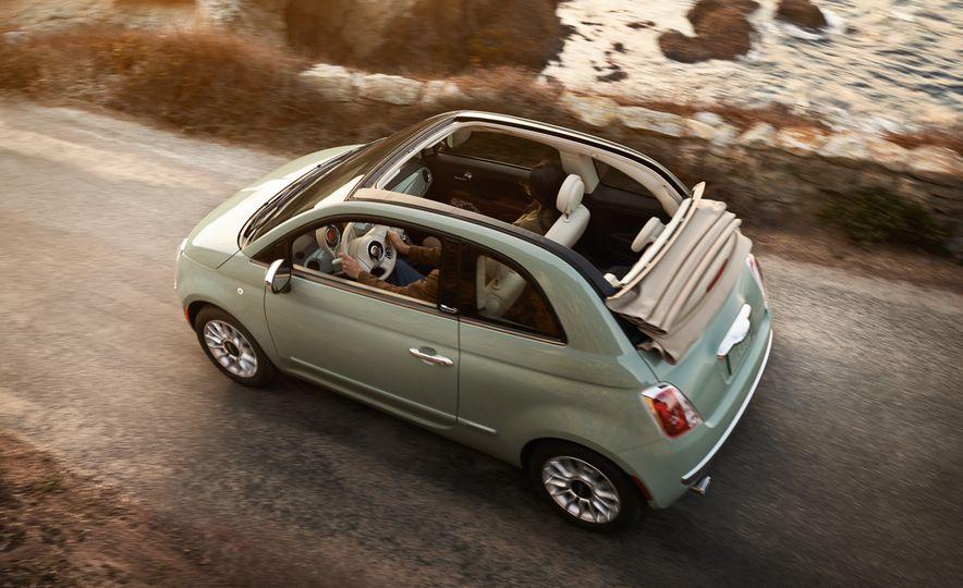 2017 Fiat 500 - Slide 14
