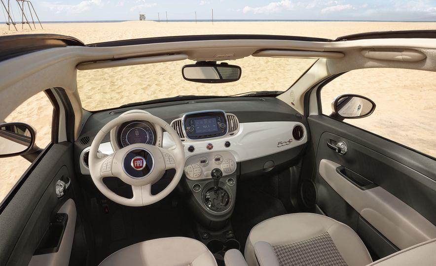 2017 Fiat 500 - Slide 16