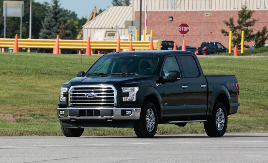 2017 Ford F-150 EcoBoost - Slide 3