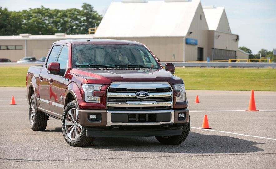 2017 Ford F-150 EcoBoost - Slide 9