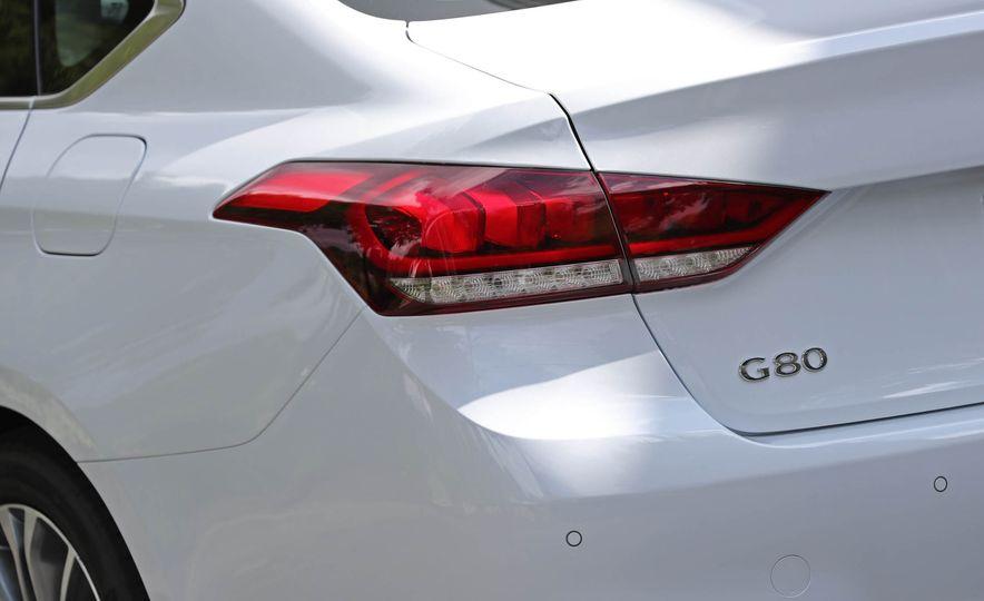 2017 Genesis G80 - Slide 28