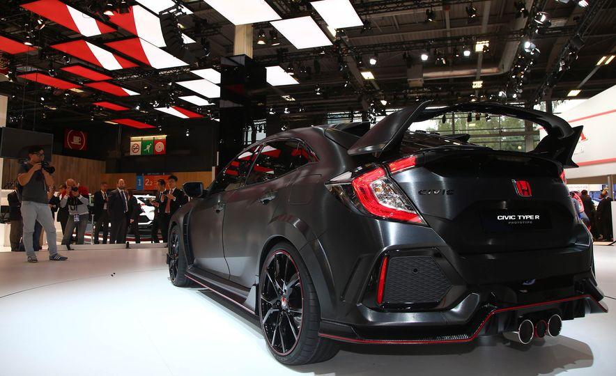 2017 Honda Civic Type R concept - Slide 9
