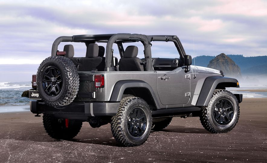 2017 Jeep Wrangler Unlimited - Slide 13