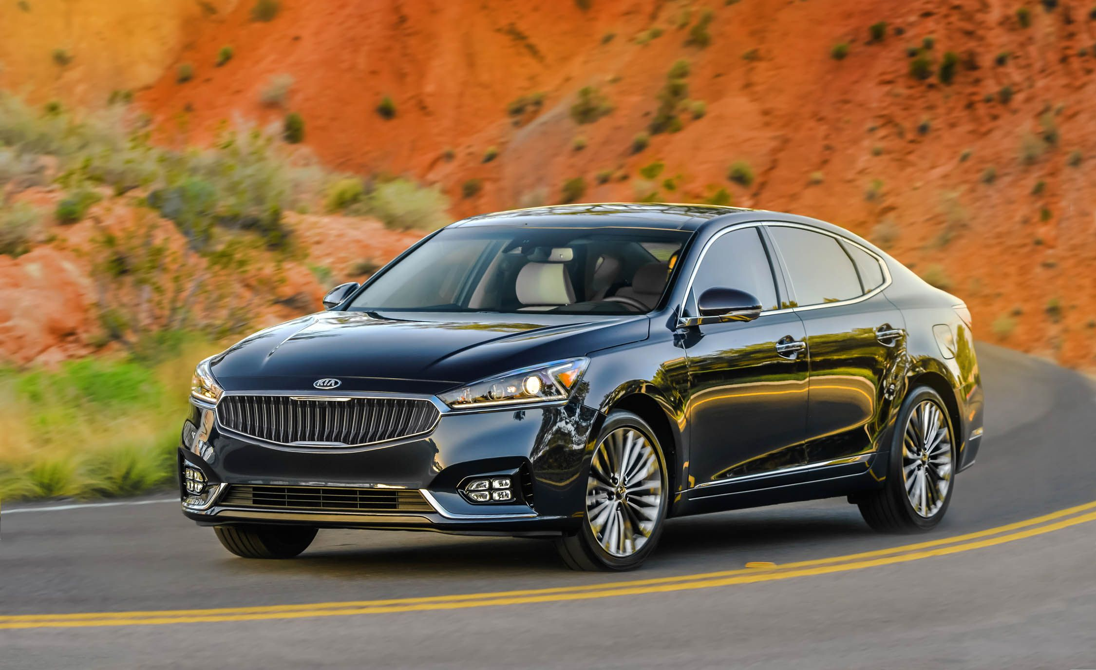 2017 kia cadenza first drive review car and driver rh caranddriver com 2016 Kia Cadenza 2016 Kia Cadenza
