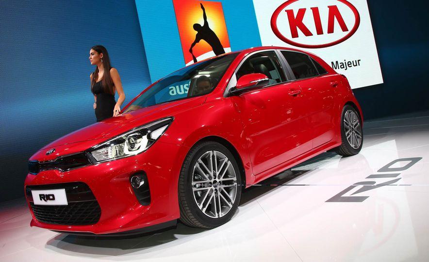 2017 Kia Rio hatchback - Slide 2