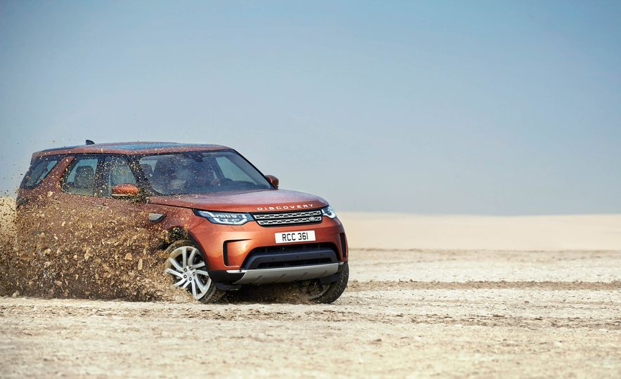 2017 Land Rover Discovery - Slide 9