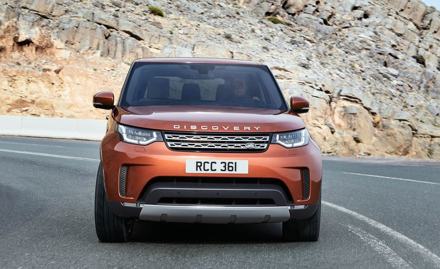 2017 Land Rover Discovery - Slide 12