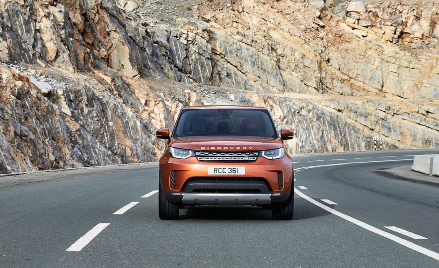 2017 Land Rover Discovery - Slide 13