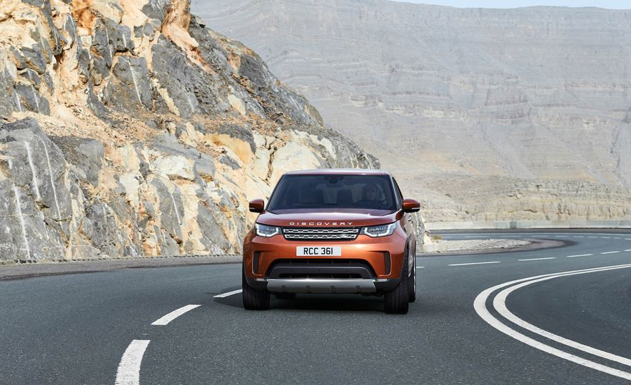 2017 Land Rover Discovery - Slide 14