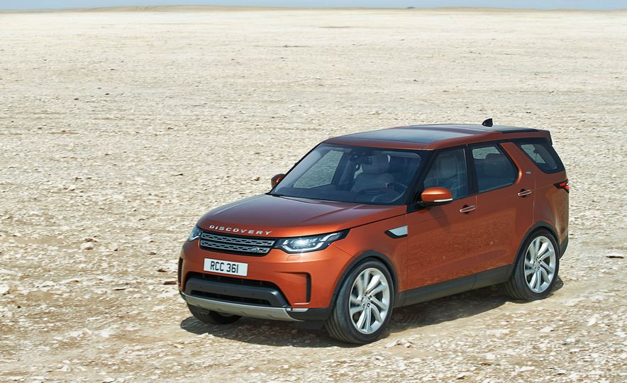 2017 Land Rover Discovery - Slide 19