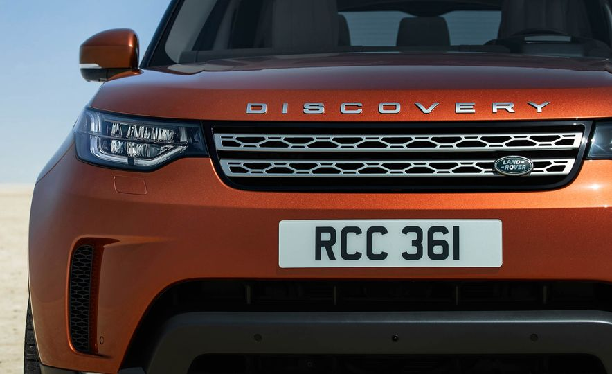 2017 Land Rover Discovery - Slide 31