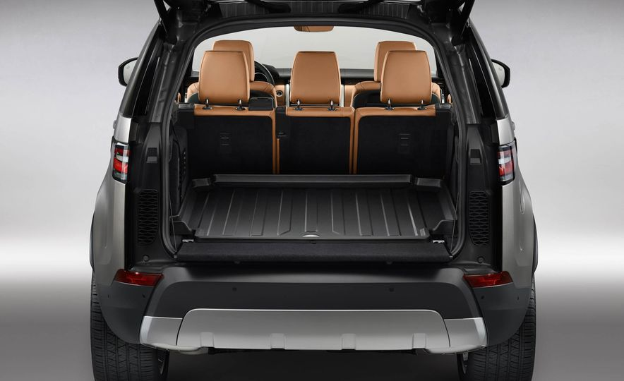 2017 Land Rover Discovery - Slide 43