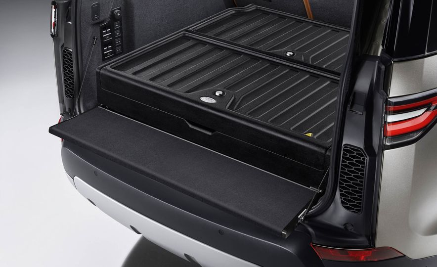 2017 Land Rover Discovery - Slide 47