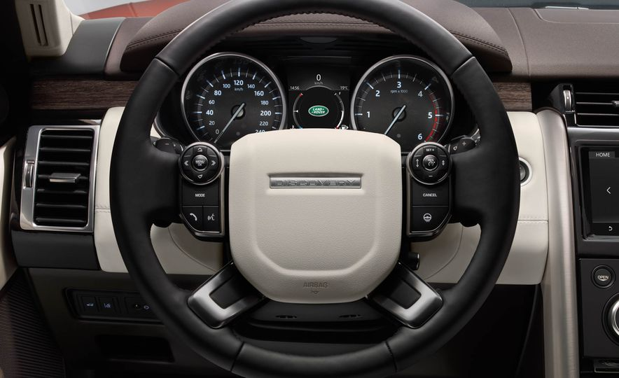2017 Land Rover Discovery - Slide 51