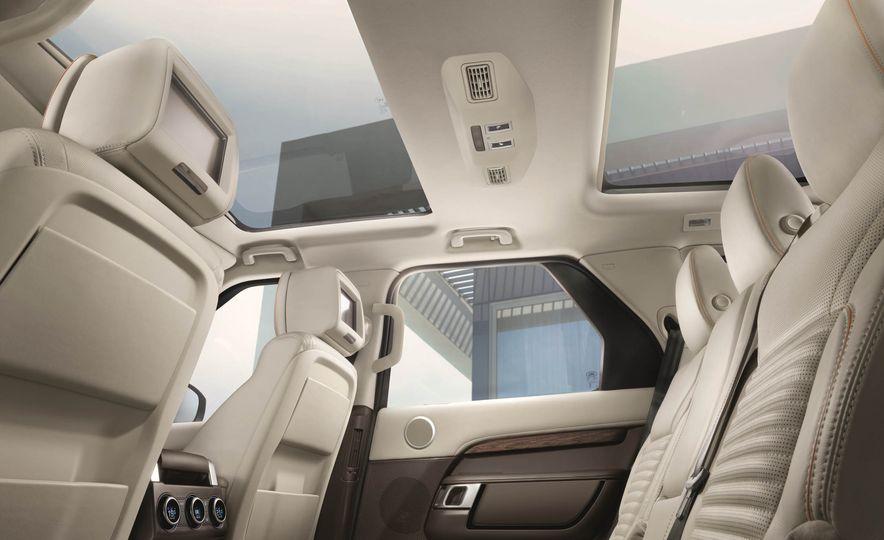 2017 Land Rover Discovery - Slide 67