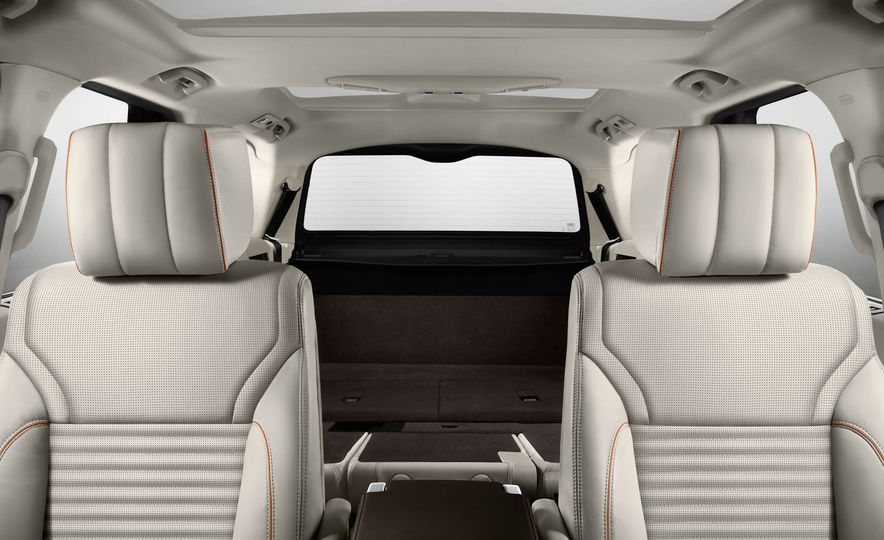2017 Land Rover Discovery - Slide 71
