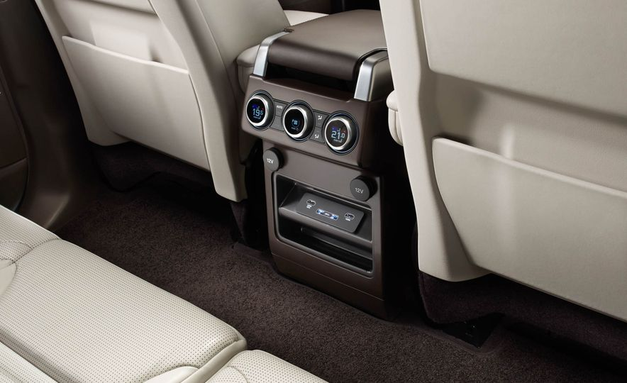 2017 Land Rover Discovery - Slide 72