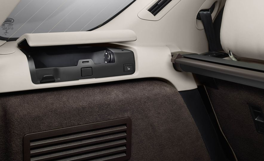 2017 Land Rover Discovery - Slide 73