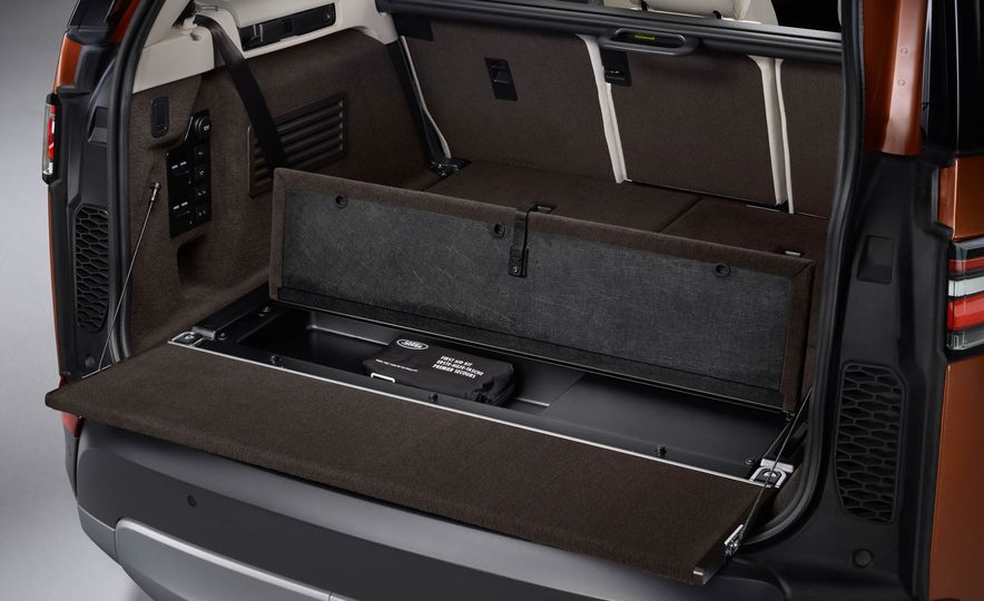 2017 Land Rover Discovery - Slide 74
