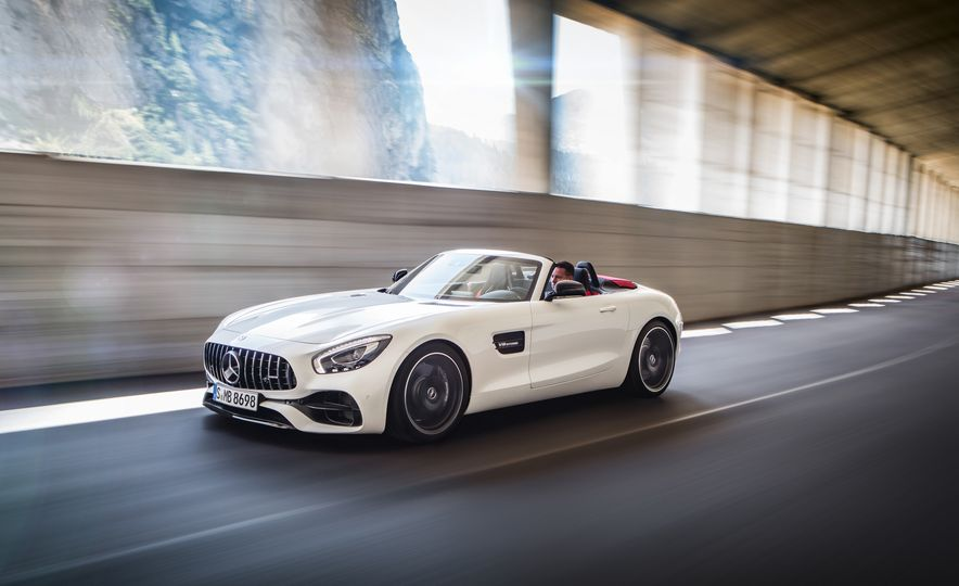 2018 Mercedes-AMG GT and GT C roadsters - Slide 2