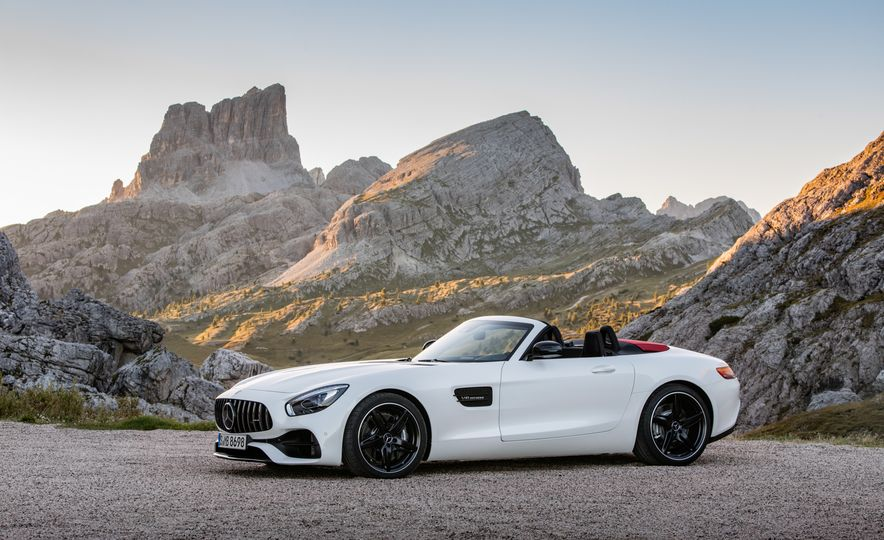 2018 Mercedes-AMG GT and GT C roadsters - Slide 4