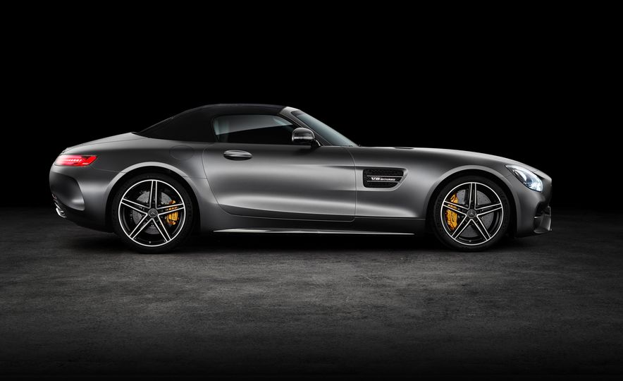 2018 Mercedes-AMG GT and GT C roadsters - Slide 17