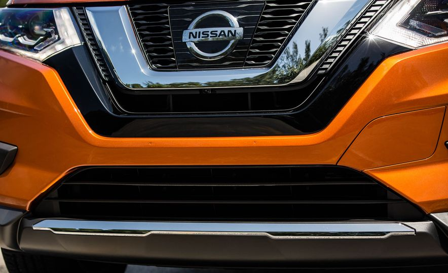 2017 Nissan Rogue SL AWD - Slide 16