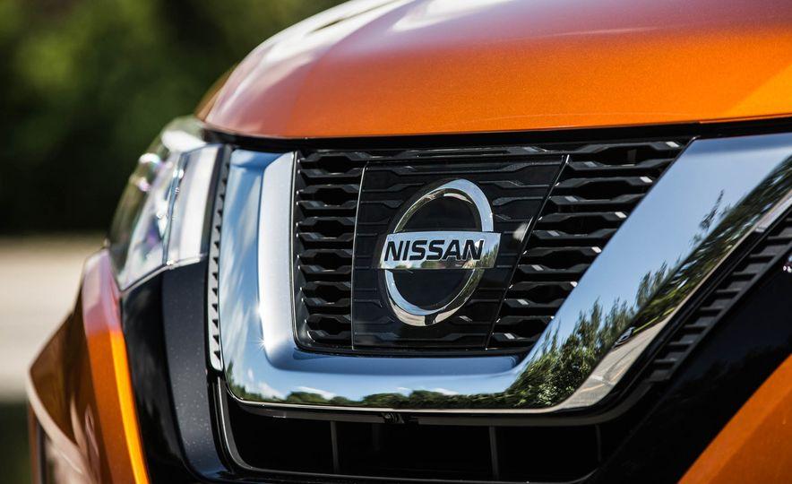 2017 Nissan Rogue SL AWD - Slide 17