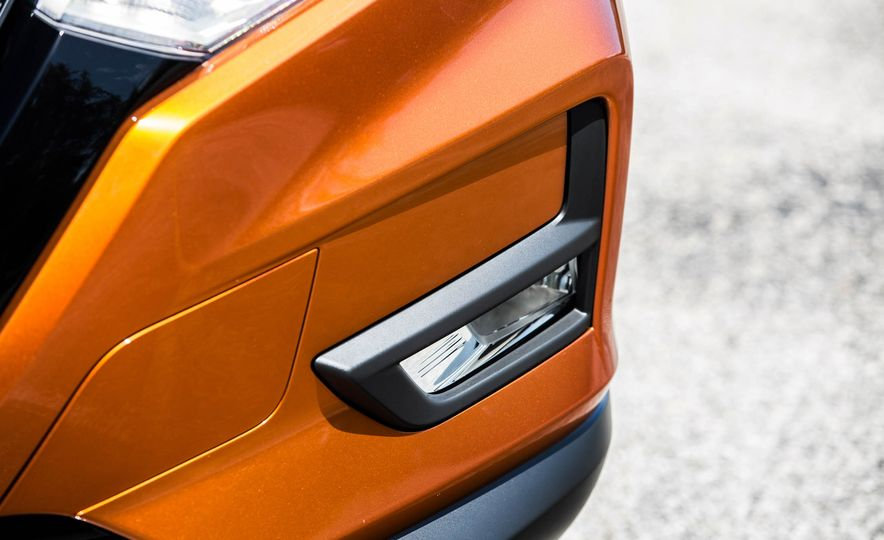 2017 Nissan Rogue SL AWD - Slide 19