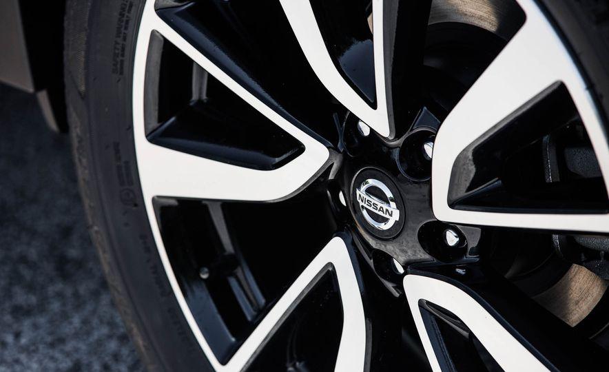 2017 Nissan Rogue SL AWD - Slide 21
