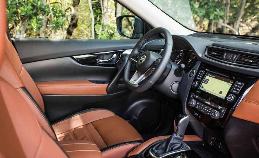 2017 Nissan Rogue SL AWD - Slide 25
