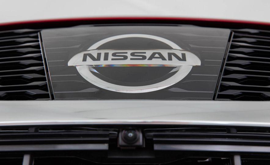 2017 Nissan Rogue SL AWD - Slide 38