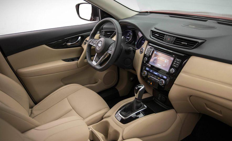 2017 Nissan Rogue SL AWD - Slide 40