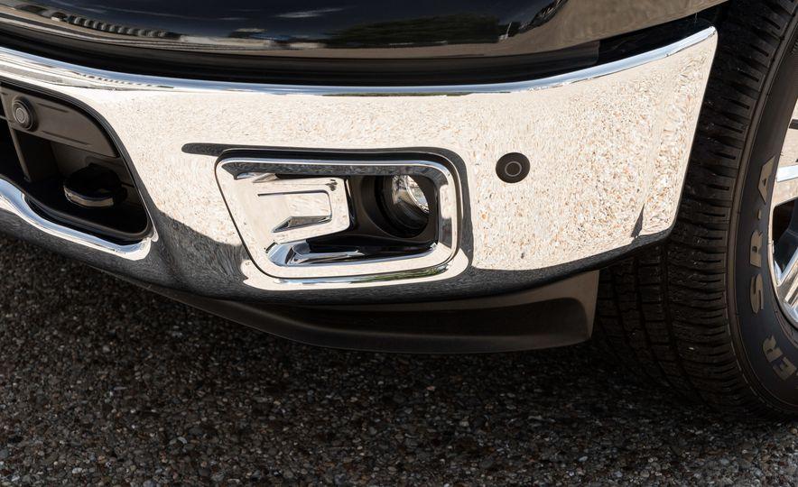 2017 Nissan Texas Titan - Slide 11