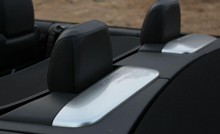 2017 Land Rover Range Rover Evoque convertible - Slide 49