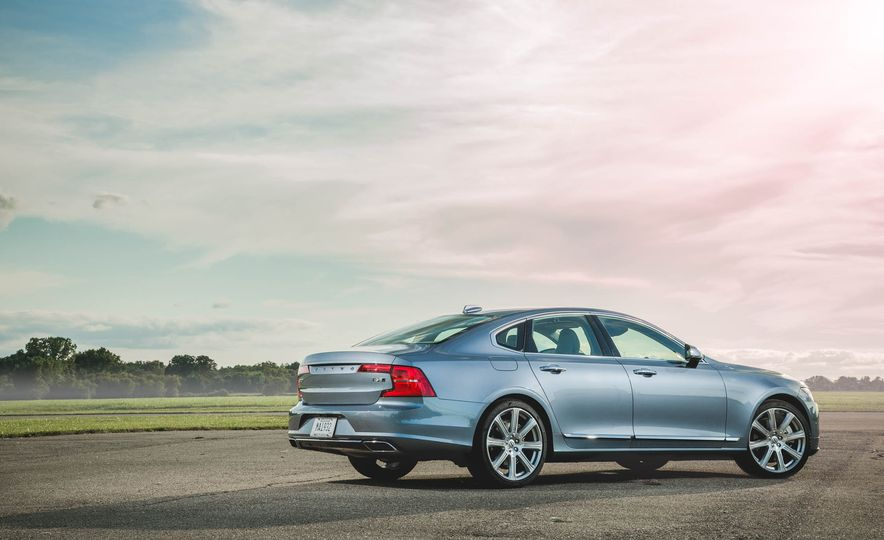 2017 Volvo S90 T6 AWD Inscription - Slide 4
