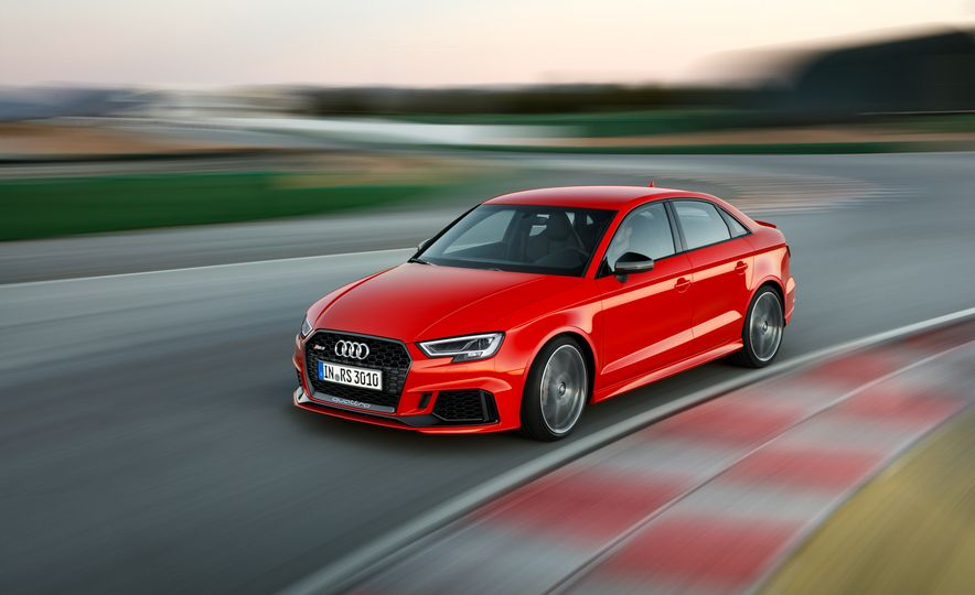 2018 Audi RS3 - Slide 1