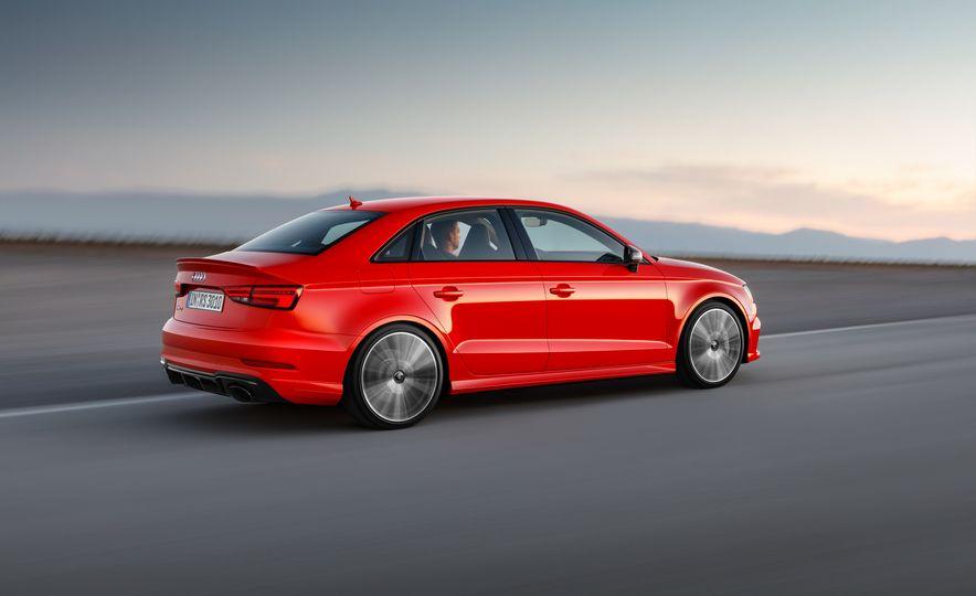 2018 Audi RS3 - Slide 11