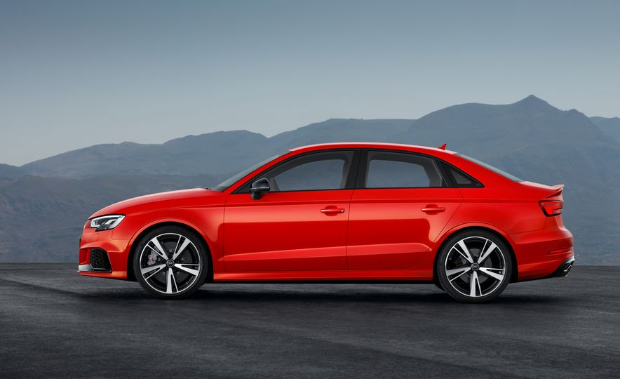 2018 Audi RS3 - Slide 15