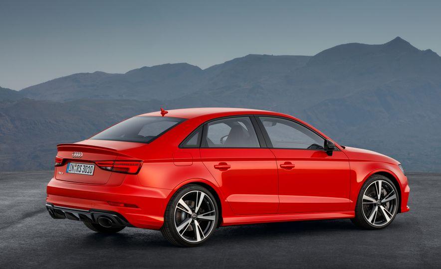 2018 Audi RS3 - Slide 16
