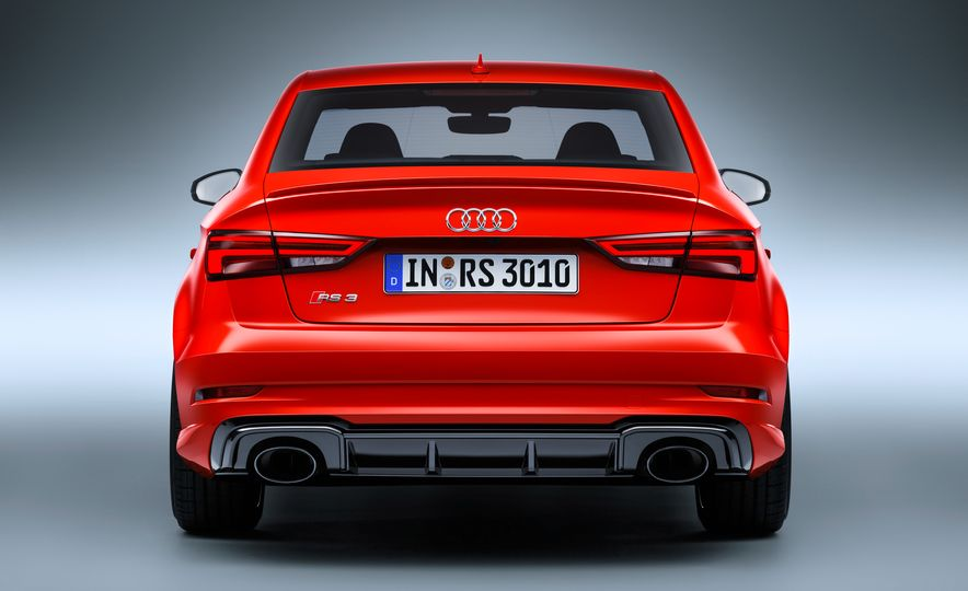 2018 Audi RS3 - Slide 20
